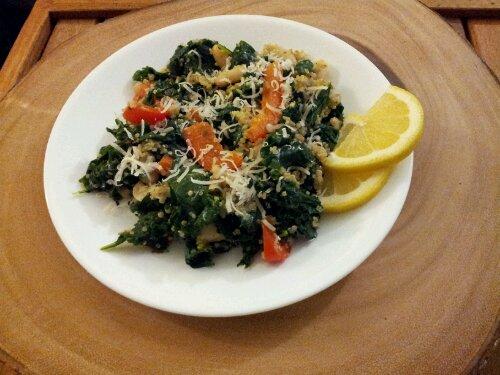 kale red pepper and quinoa toss, kale recipe, healthy recipe, quinoa recipe