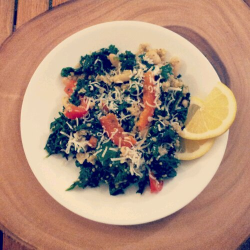 Kale red pepper and quinoa toss, healthy recipe