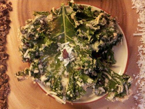 kale chips, kale dessert, sweet kale chips, cacao nibs